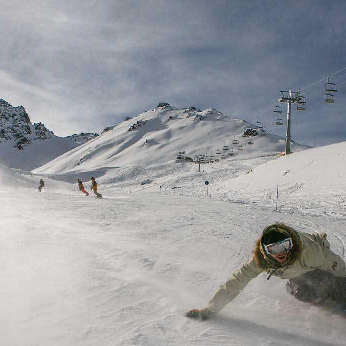 ski & snowboard rental shop Poiana Brasov  